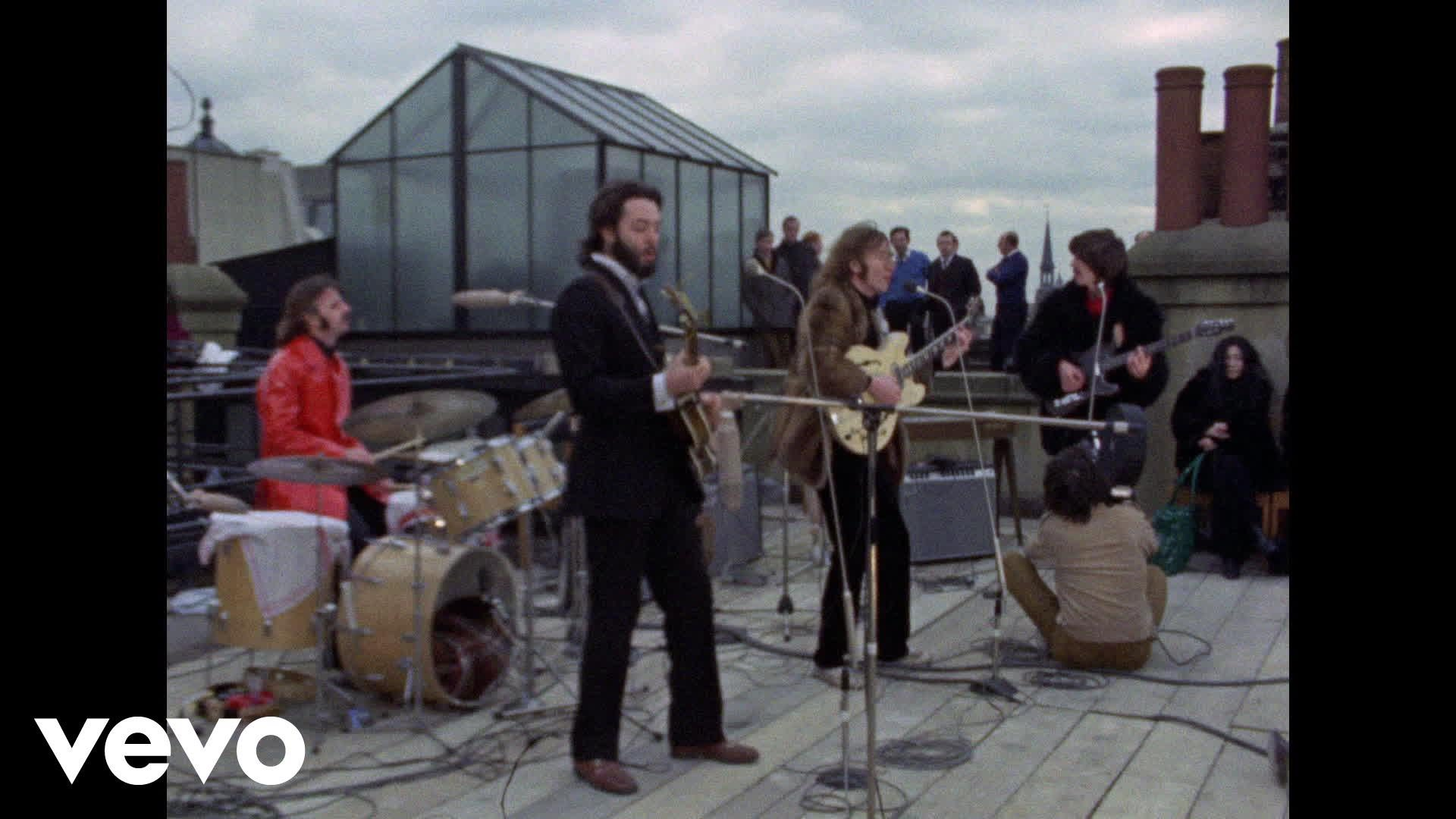The Beatles versus The Rolling Stones https://t.co/7v8TFFuAl7