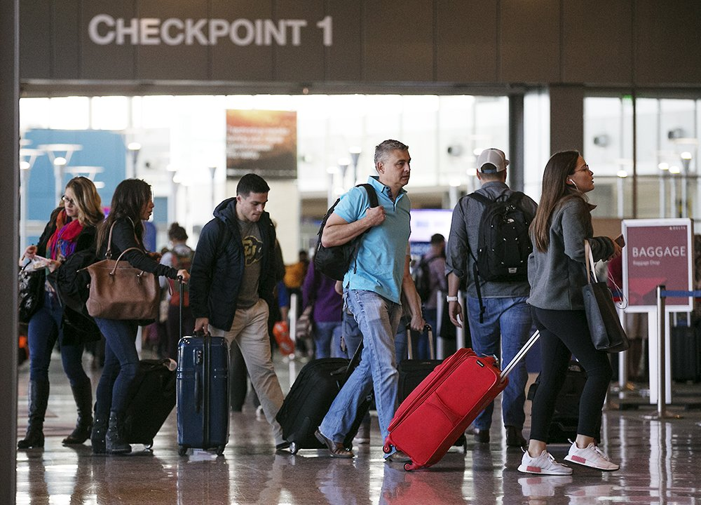 Busy pre-Thanksgiving travel at Austin airport on Nov. 22