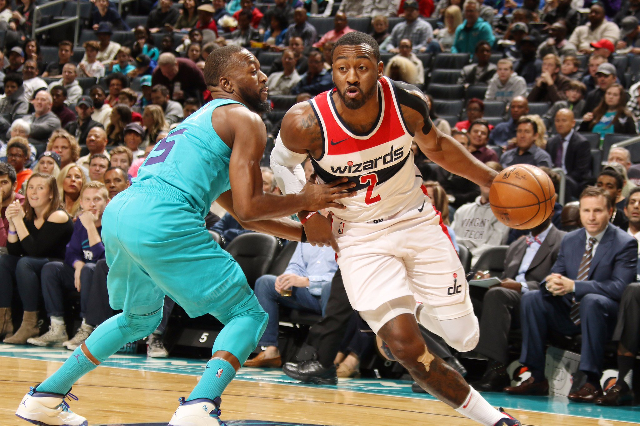 #LeaguePassAlert  @WashWizards & @hornets heading to overtime in Charlotte!  #DCFamily x #BuzzCity https://t.co/dgeWUTZKfa