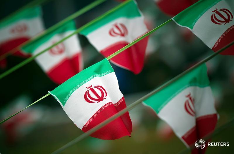 Iran Guards chief: Disarming Lebanon's Hezbollah non-negotiable: TV https://t.co/0KiMm8OD9C https://t.co/5c9vJY4NFU