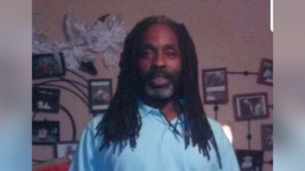 Family of Louisville homicide victim pleads for answers as holiday season looms