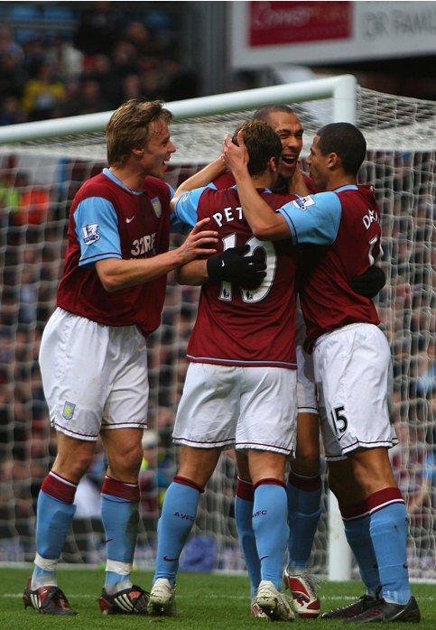 RT @VillaSnaps: 📍 Villa Park 📅 12th January 2008 👤 Carew, Laursen, Davies + Petrov 🆚 Reading (4 - 2 Win) https://t.co/nDsteZljnu