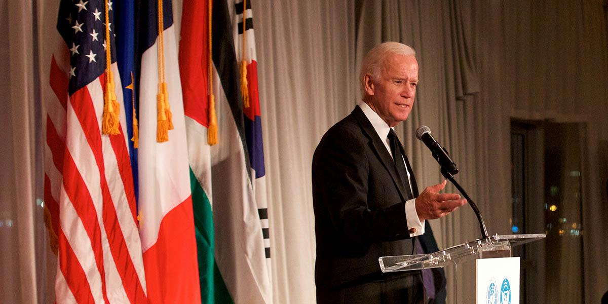 test Twitter Media - At the @UNANYC, the former VP, @JoeBiden, recognizes The Lancet Oncology Commission & Elsevier for their contributions to the #CancerMoonshot initiative https://t.co/1nK2MDEk64 (w/ @TheLancetOncol) https://t.co/d35aaNxLuu