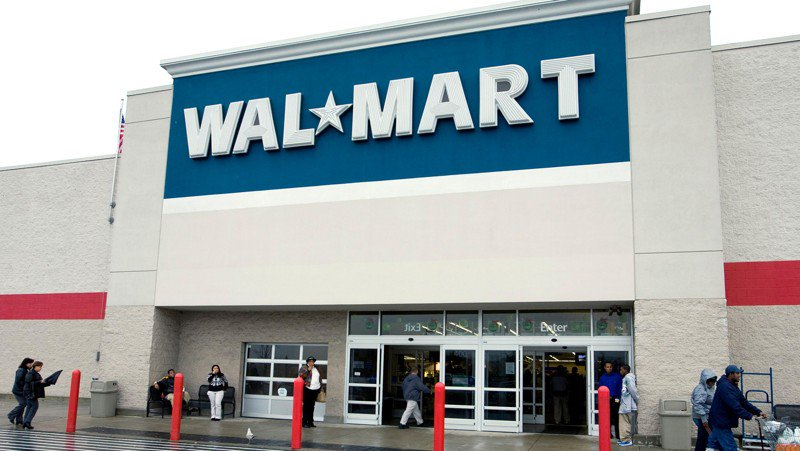 Texas officer arrested, accused of stealing $830 in groceries from Walmart