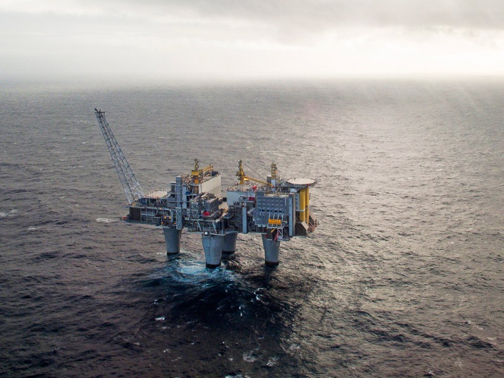Oil industry shows signs of life after Norway wealth fund shock