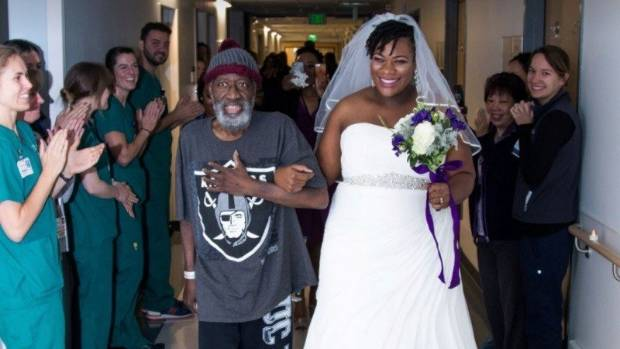 Bride wanted her dying dad to walk her down the aisle so had a hospital wedding