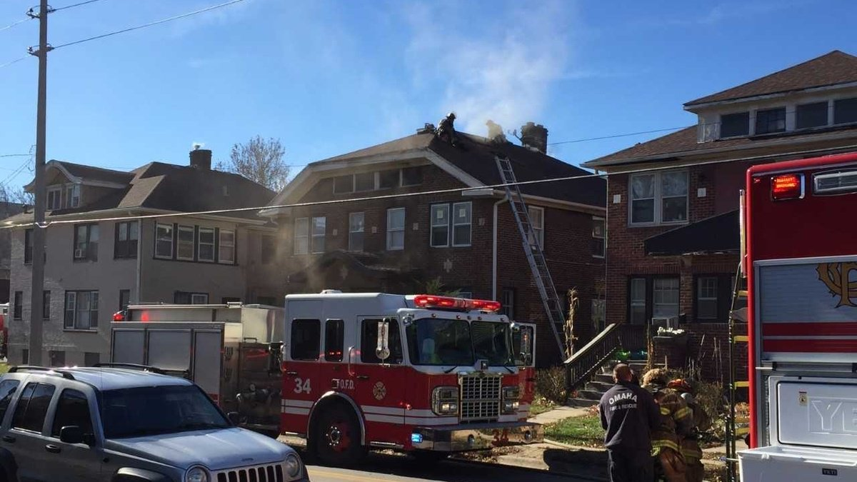 6 adults, 4 kids displaced after duplex fire
