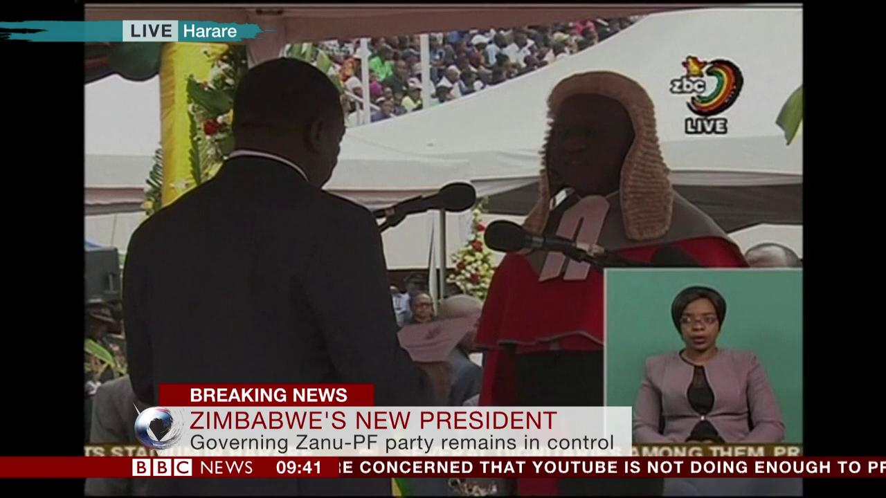 Emmerson Mnangagwa is officially sworn-in as president of #Zimbabwe, replacing Robert Mugabe https://t.co/5yQnsle13Y https://t.co/MX58W3arc6