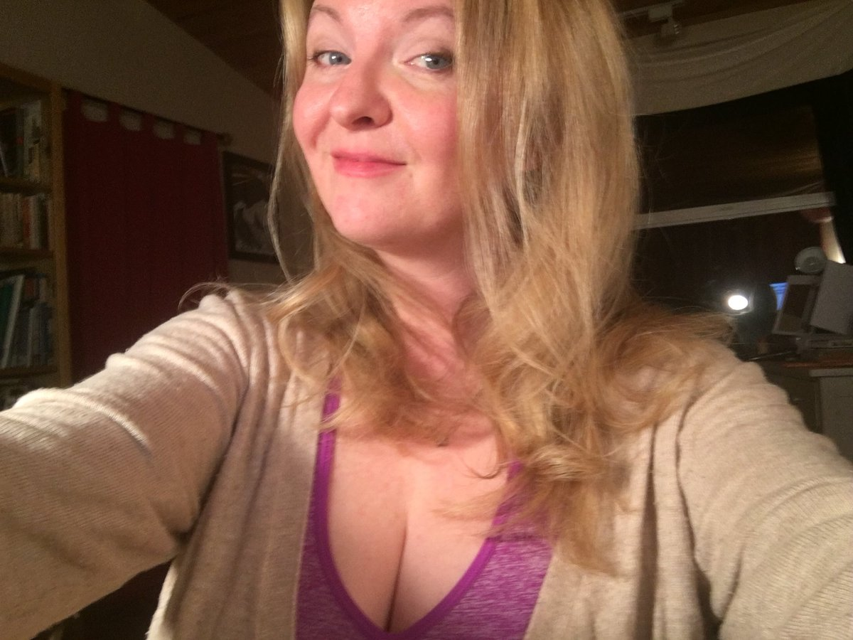 I really am logging in! Any big natural boob lovers? IXWfqV97eg a0EGbG1WGd