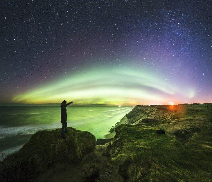 #BuenosDias #FelizViernes Aurora tomada el pasado 7 de noviembre desde #Dinamarca. Fotografía Ruslan Merzlyakov.