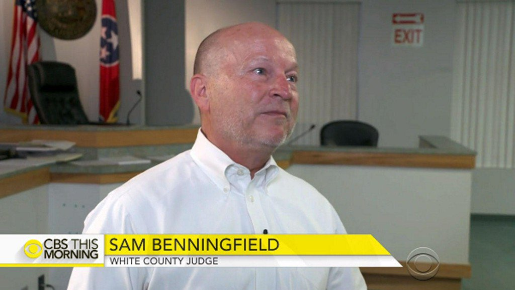 Tennessee judge who offered inmates reduced sentences for sterilization rebuked
