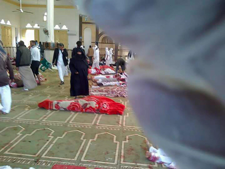 ÚLTIMA HORA  Ataque en mezquita de Egipto deja al menos 155 muertos  https://t.co/aKvMXvmGGo https://t.co/aFeYu44U1m
