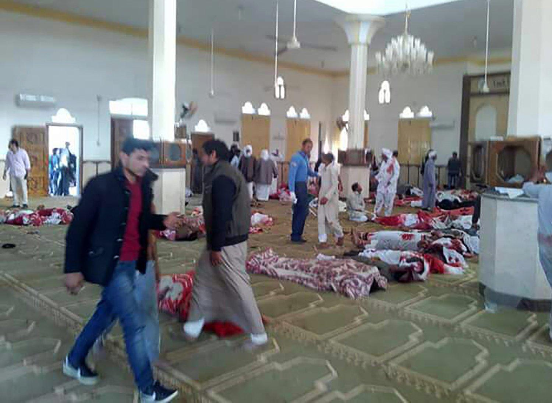 LO NUEVO Aumenta número de muertos tras ataque en mezquita: hay al menos 200 fallecidos https://t.co/aKvMXvmGGo https://t.co/2JSmRb7RdA