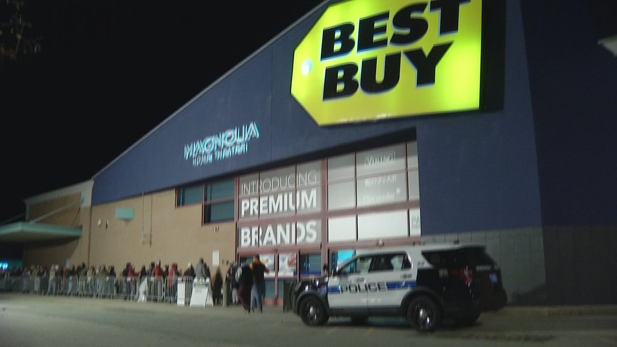 Shoppers wait hours for chance at Black Friday deals