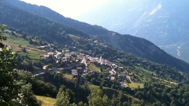 Un pueblo suizo en los Alpes ofrece 60.000 euros a las familias que se muden allí
