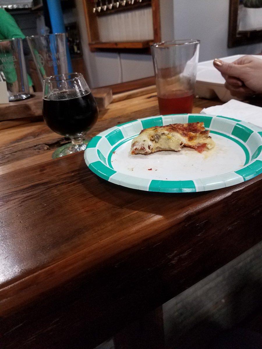 @FlywheelBrewing hey porter and impellizzeri's pizza. Yum https://t.co/KEaVYN26W4