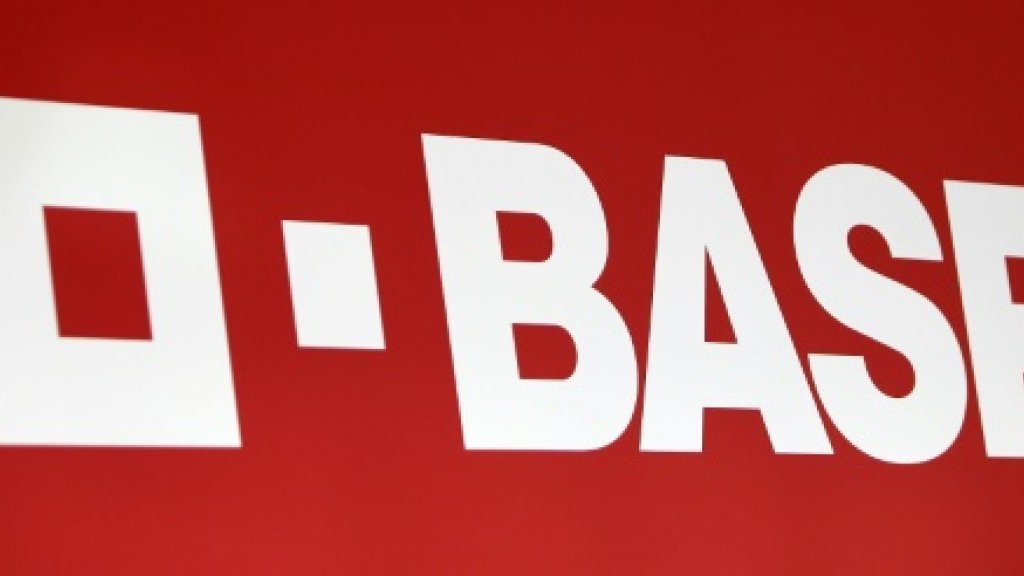 Germany's BASF in talks with Russian tycoon over oil merger