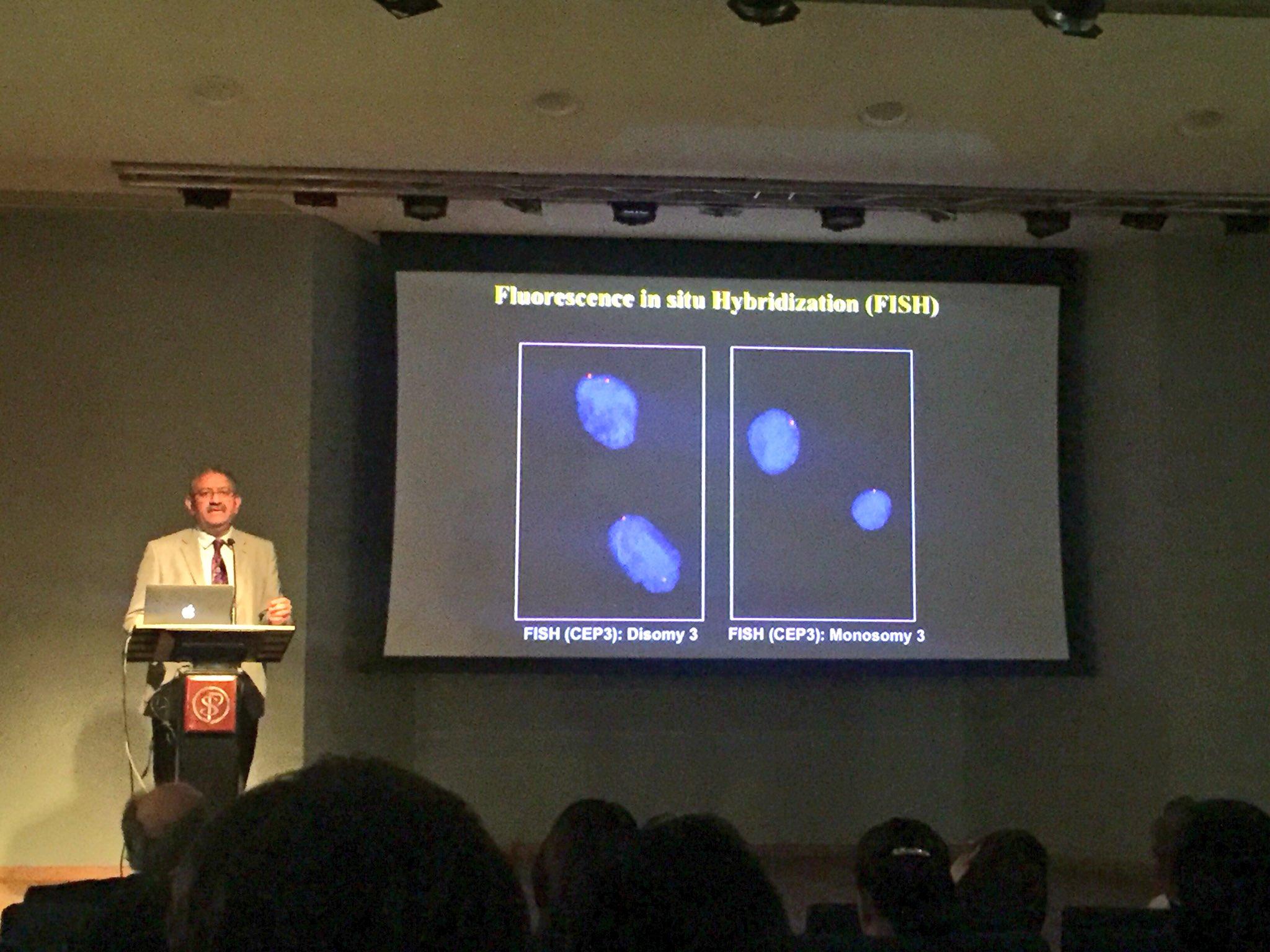 👁Teaching points with Dr Singh: Uveal Melanoma, important realize #FISH looking presence of Monosomy 3 is a risk factor of metastasis 🔬 #ophtalmology #pathology #oncology #melanoma #metastasis https://t.co/DJui37Dih9