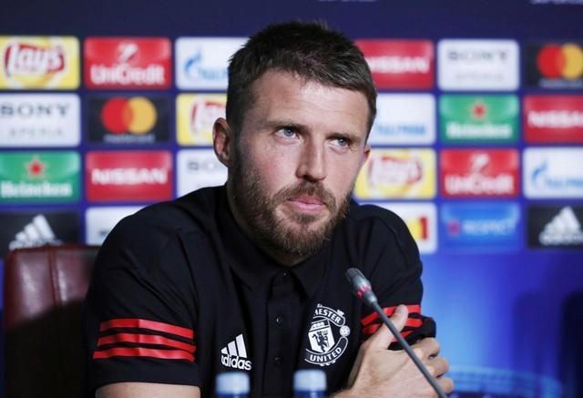 Mourinho offers coaching role to Man United's Carrick