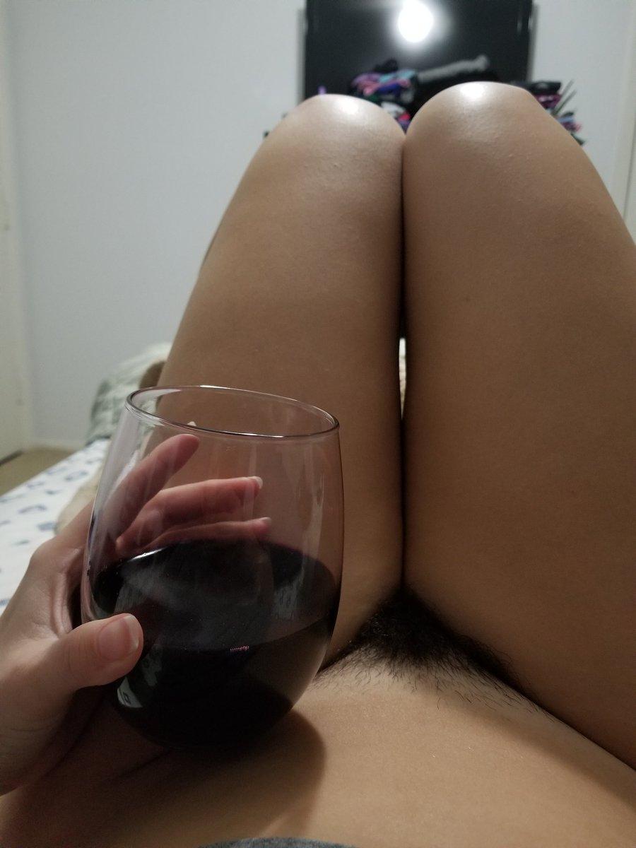 Wine is so relaxing~♡ ilw925MC3Y