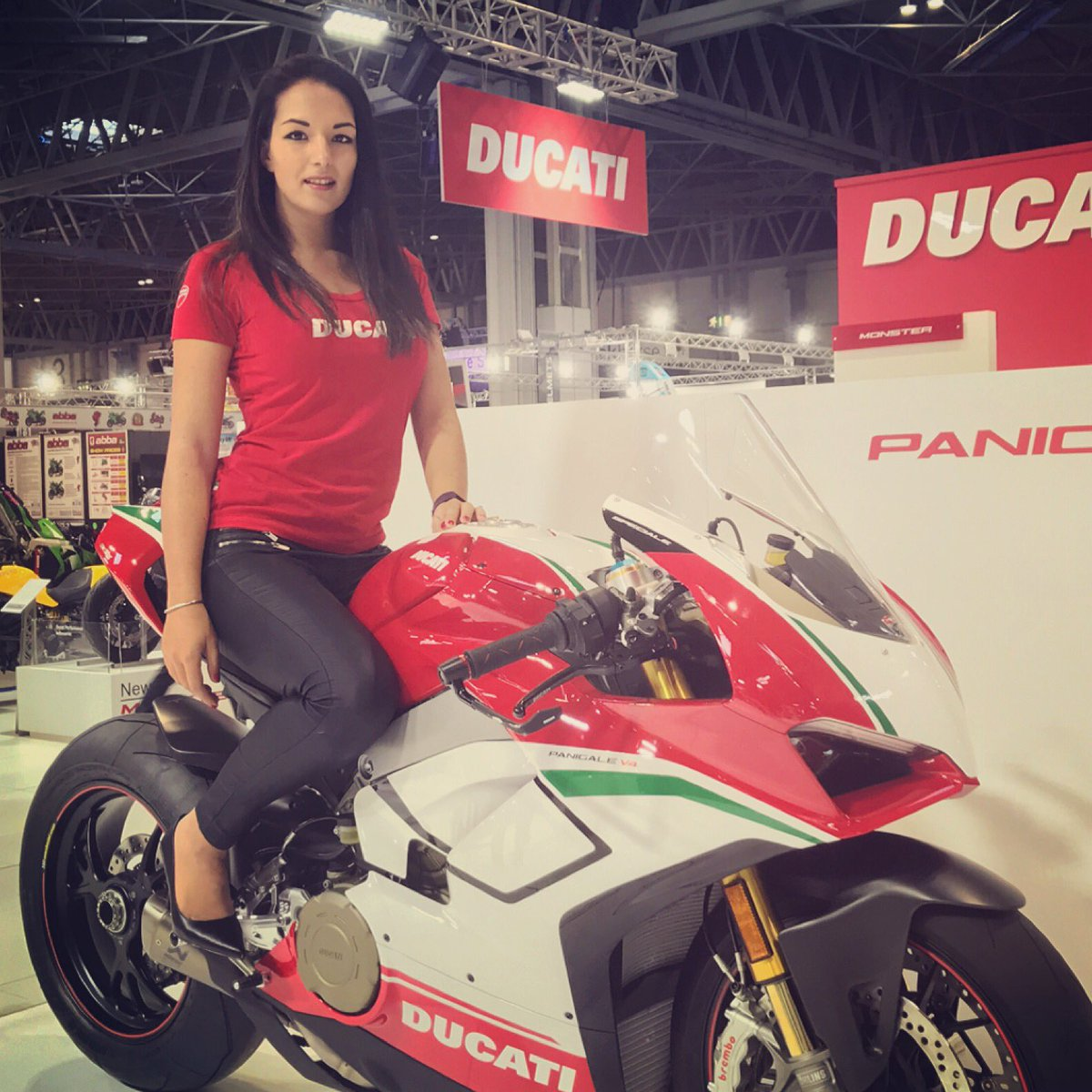 2 pic. Back home after a fun week in Birmingham with Ducati at Motorcycle Live 🏍👠 wxXxN