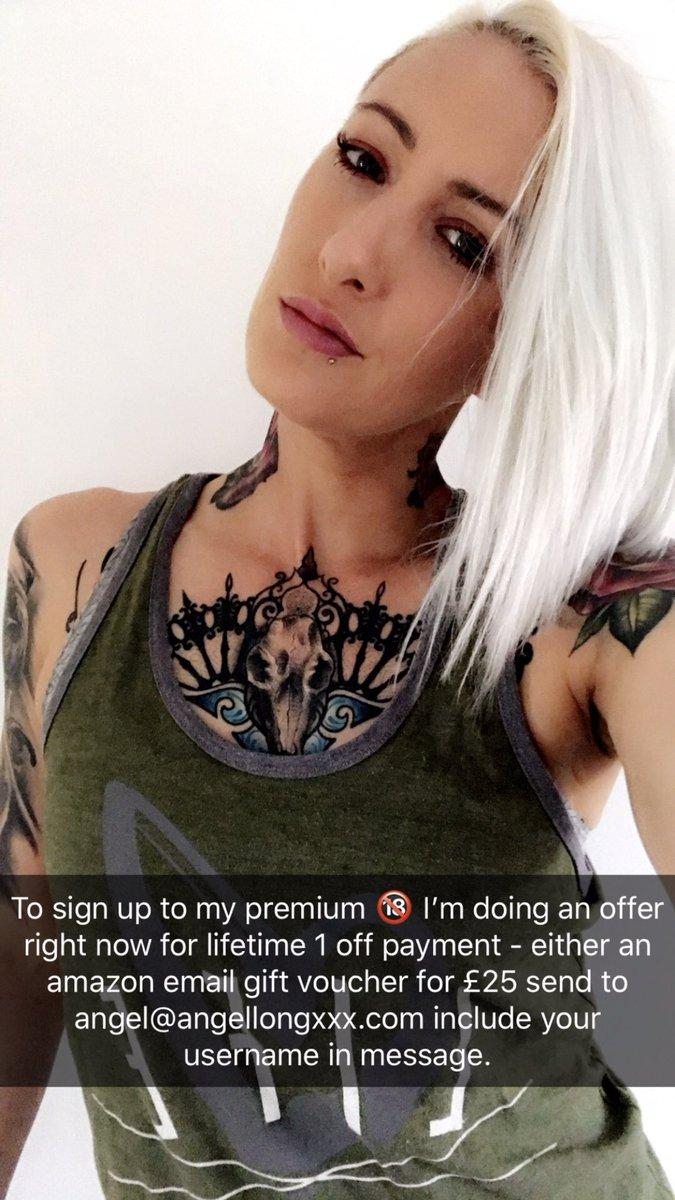 1 pic. Upskirt fun on my premium today - here's ways to join the fun #Snapchat #Premium /