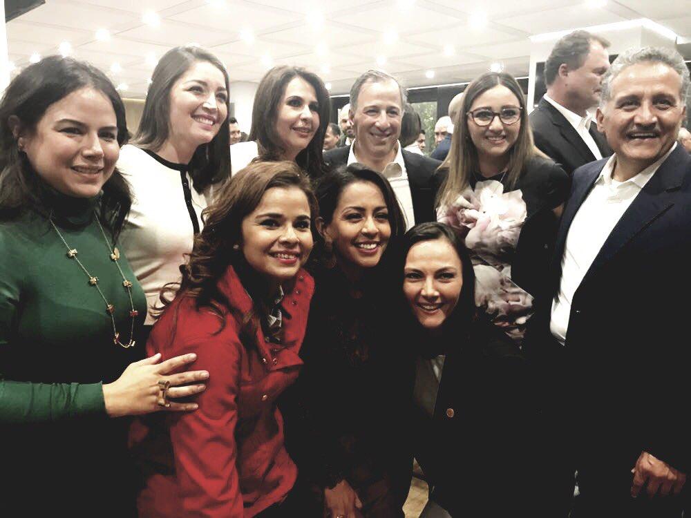 @JoseAMeadeK es uno de los nuestros quién se ha dedicado a servirle a México - @CCQ_PRI  @arturozamora @DiputadosPRI https://t.co/61Azr46RsK