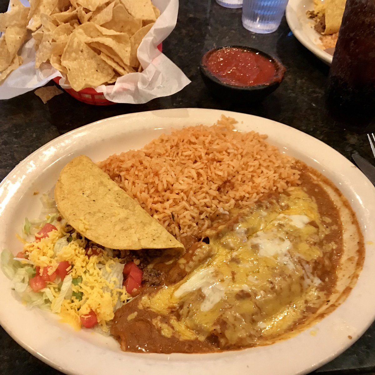Tex-Mex 3 times in 5 days.  Damn I miss this in Oregon.  Back home tonight. https://t.co/xykFjNZ8Pe