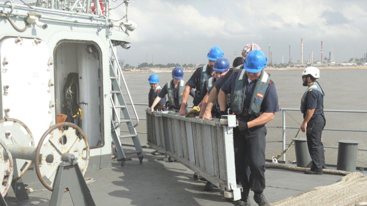 El patrullero ya está en el puerto de abidjan, costa de marfil ...