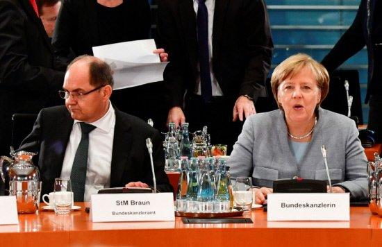 Merkel woes deepen as farm minister flouts orders
