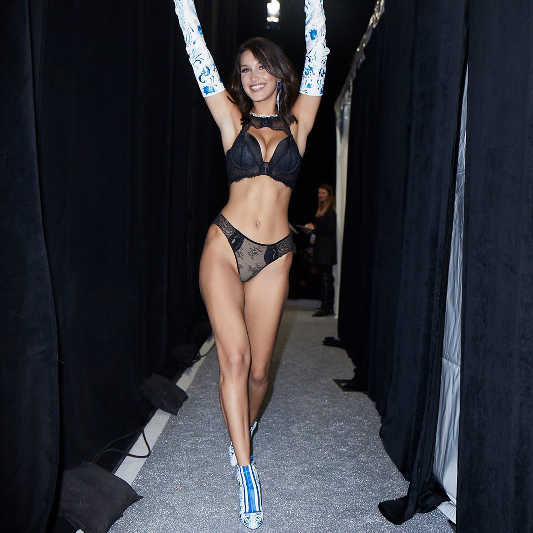 Hands up for @BellaHadid backstage at the #VSFashionShow! https://t.co/x2mn1si5ku