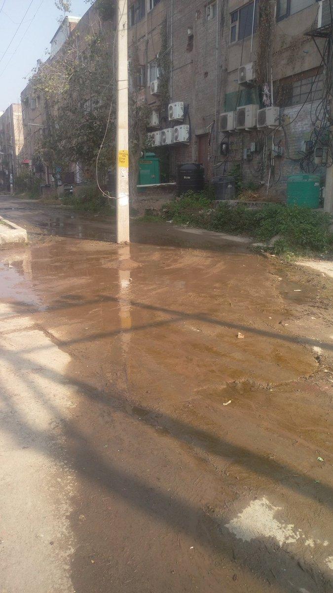 test Twitter Media - @SwachhPanchkula Inhuman cond for poor living in EWS Flats, Swastik Vihar, PH 2, MDC Sec 5, Panchkula. See Video  https://t.co/uSML3GbSza https://t.co/t6ARmr9h4t