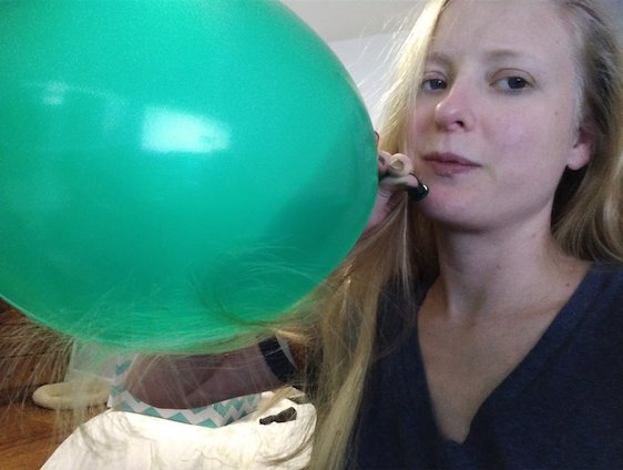3 pic. Cleaning my office & I have a ridiculous amount of balloons. cf1MVgpn8W