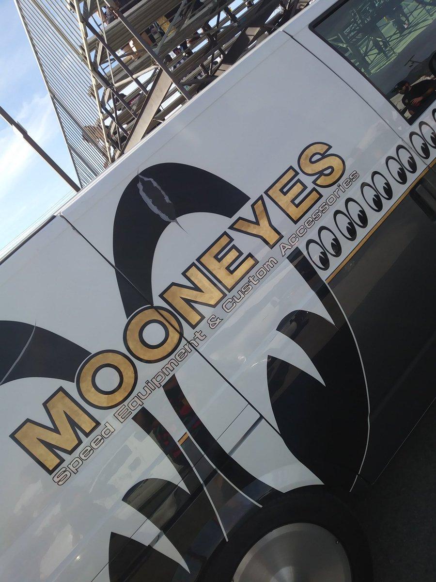 #mooneyes