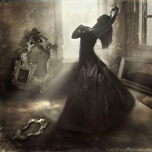 The whisper of magic, that invisible melody that moves through the dusty soul. Ashes stir to embers.. flint-strike to bones, darkness dances, charming in its grace.  #DimpleVerse #poetry #vss #TalesNoir   #photo #art by Bogna Altman https://t.co/NDTd7herHP