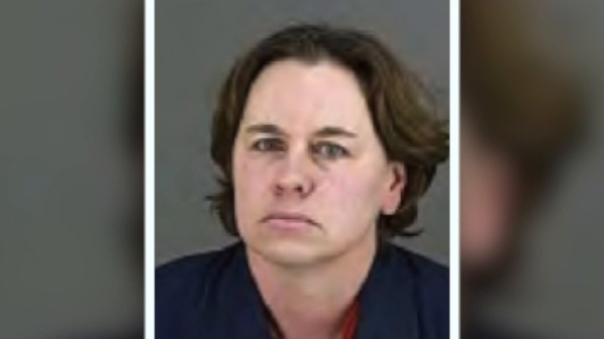 Woman killed husband, lived with his remains for 6 months