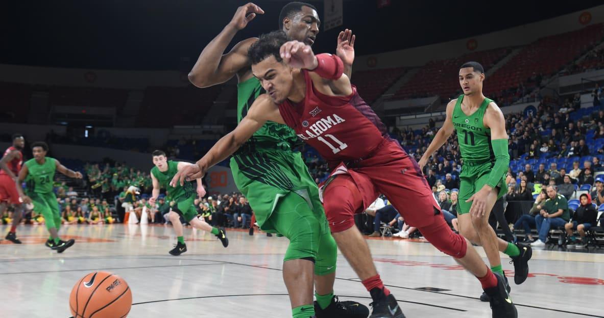 Oregon forward MiKyle McIntosh reaches 1,000 career points