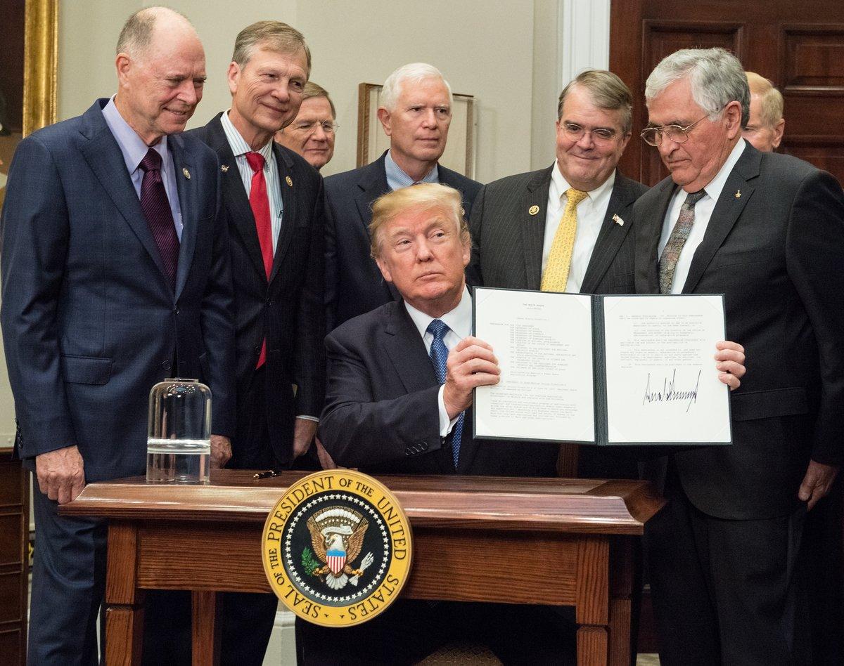 Trump signs NASA directive aiming at moon, Mars and beyond