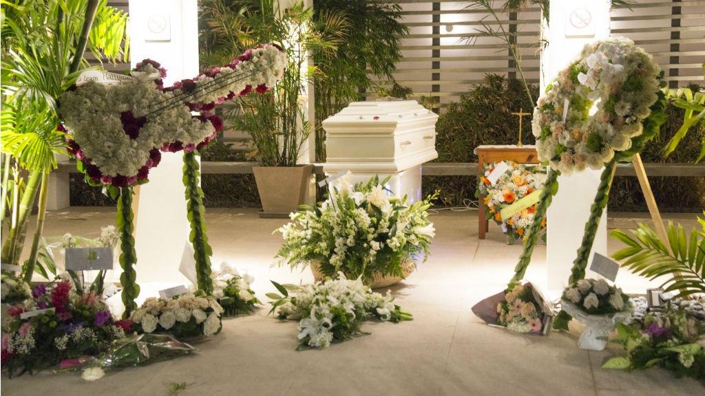 Johnny Hallyday a été inhumé à Saint-Barthélemy - France 24