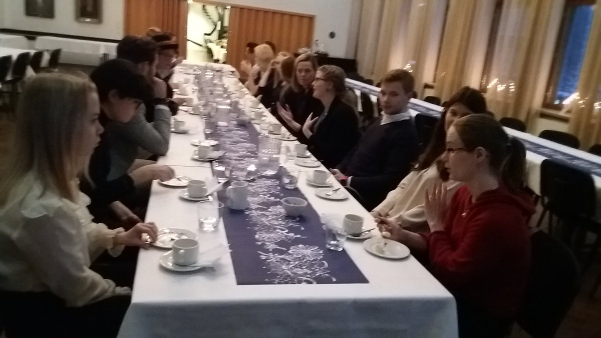 test Twitter Media - #Tampere'en liikesivistyssäätiö tukemassa monitieteistä liiketoiminnan tutkimusta. Apurahojen jakotilaisuudessa paikalla opiskelijoita mm. @UniTampere @jkk_uta @TampereUniTech & @TAMK_UAS. @tieteenraivaaja #tutkimus https://t.co/iNUmy1DCgN