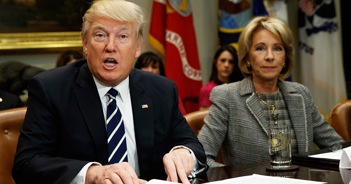 Matt Taibbi: The latest student loan debacle is the ultimate example of Trump's campaign con https://t.co/sUi5AzsTau https://t.co/BQWrbOfCmy