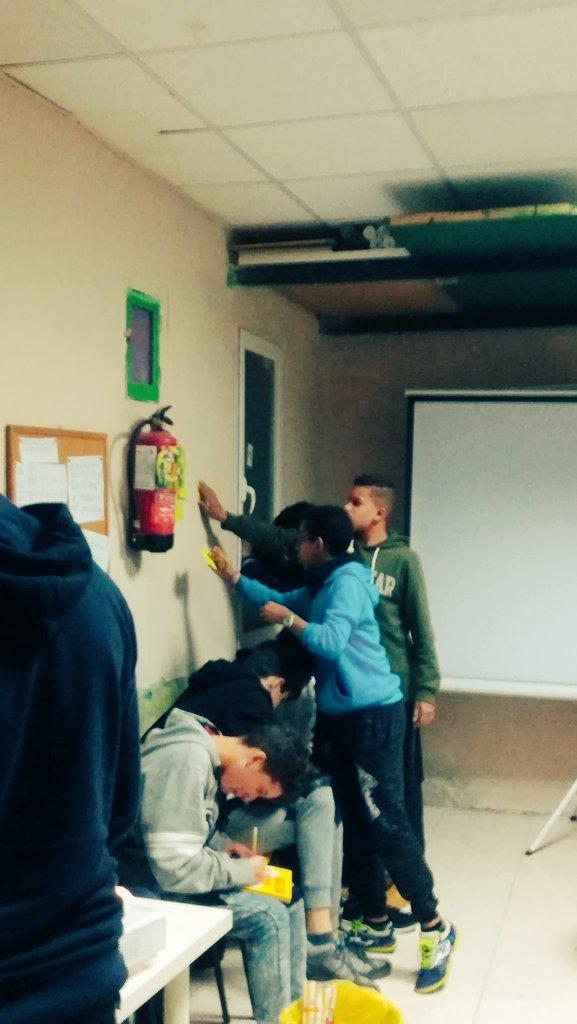 "provar Twitter Mitjans - Adolescentes en el taller de ""promoción de la salud afectiva, sexual i reproductiva"" con @abd_ong https://t.co/4Erke7wTlU"