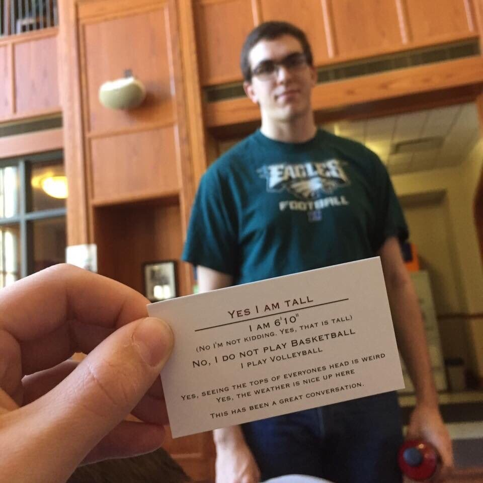i asked this guy 'How tall are you?' and he handed me this https://t.co/HVoCMuPFLz