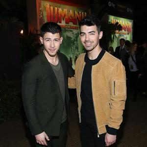 #NickJonas & Joe Jonas https://t.co/NG5IgZTnlM #mybeat https://t.co/M35CaSC01U