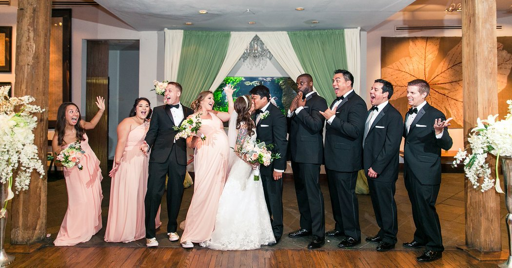 Bridal Parties Mix It Up With Bridesmen and Groom's Gals