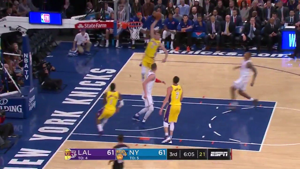 Lonzo Ball gets up and hammers home the one-handed jam!  The @Lakers lead the @nyknicks 74-71 in Q3 on @ESPNNBA. https://t.co/iEzPnx4gV7