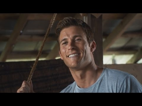 Oh lord! Watching @TheLongestRide  I must marry @ScottEastwood !!!!! Love him. https://t.co/1gEVgnqNaS