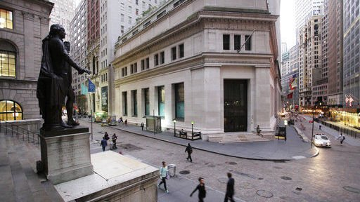 Banks lead US stock indexes higher in midday trading