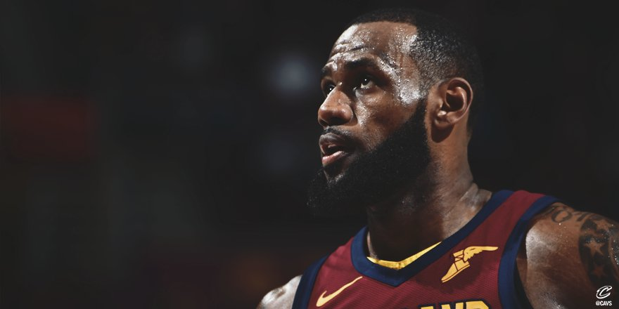 17 assists ↓  @KingJames tied his career-high tonight ��  #Welcome2Season15 https://t.co/Oii7rOavd9