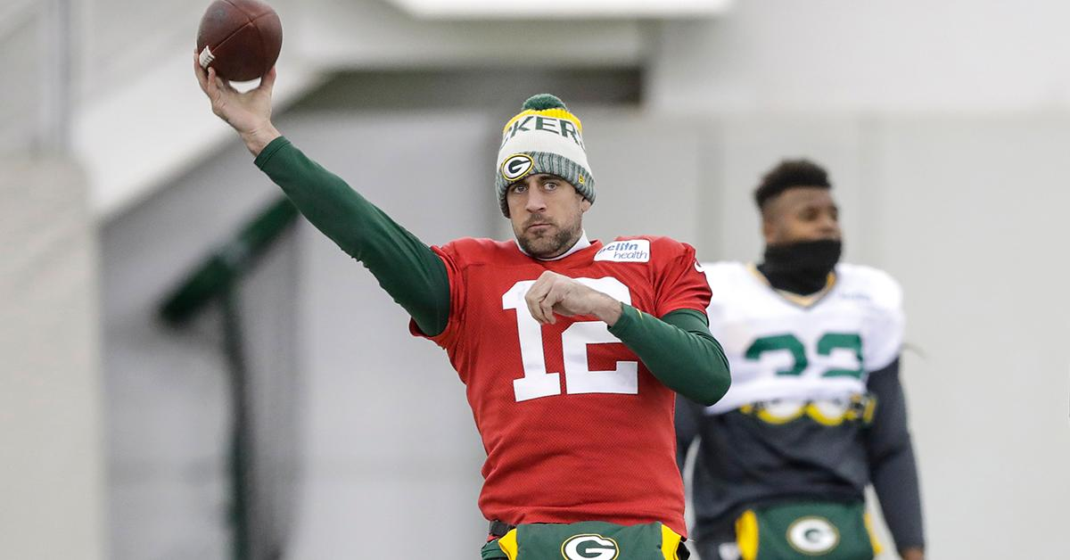 He's back.  @AaronRodgers12 confirms he's medically cleared to return ��: https://t.co/xxRisOFPj7   #GoPackGo https://t.co/F63qT1OycS